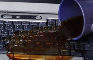 laptop sıvı döküldü